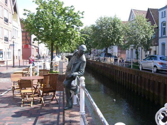 Figur ved kanalen i Buxtehude