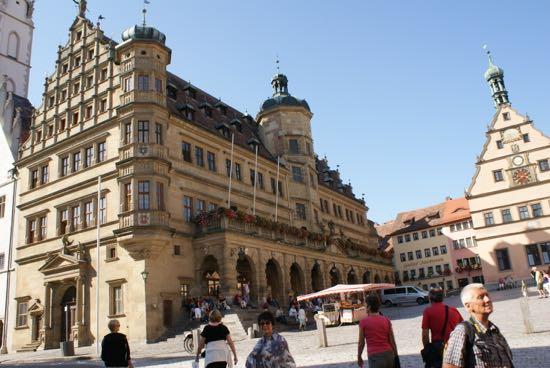 Markt med rådhus i Rothenburg