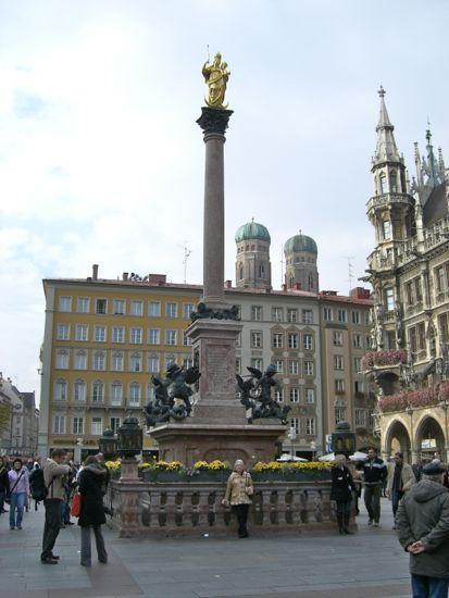 Søjlen Mariensäule på Marienplatz