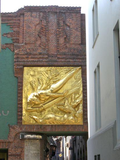Bronze relief Lysbringeren i Bremen