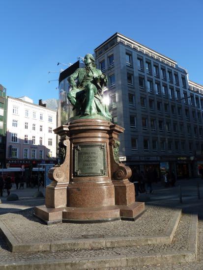 Statue af Henrich Heine i Hamburg
