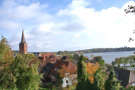 Udsigt til byen Plön i Tyskland