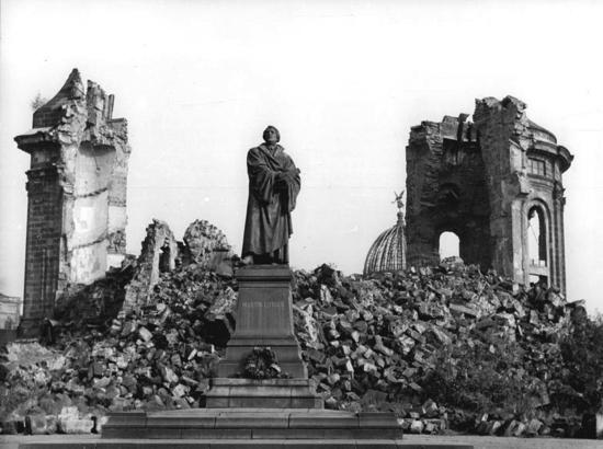 Dresden efter 2.verdenskrig