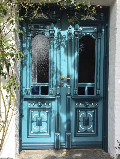 En af Arnis smukke døre