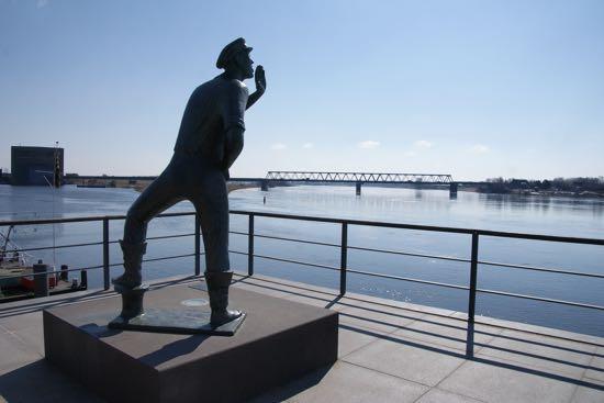 """""""Der Rufer"""" vinker til menneskerne på Elben"""